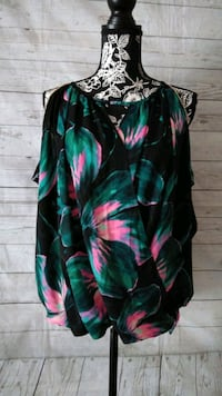 Beautiful Jennifer Lopez Shirt Size M ..  Frederick