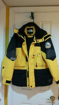 North face ski wear size S for men size M for wome Toronto, M2N 6H9