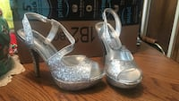 Pair of silver open-toe ankle strap pumps Pineville, 71328