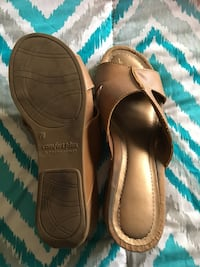 brown Predictions leather comfort plus wedge slide sandals