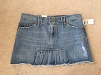 Denim Low Rise Mini Skirt size 8. Bondurant, 50035