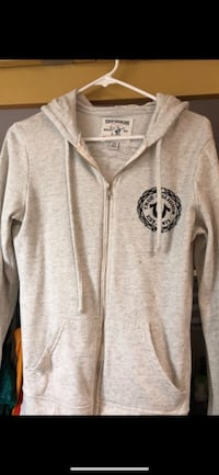 Gray zip-up hoodie Antioch, 94531