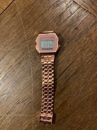 ROSE GOLD CASIO STYLE WATCH  Melbourne, 32901