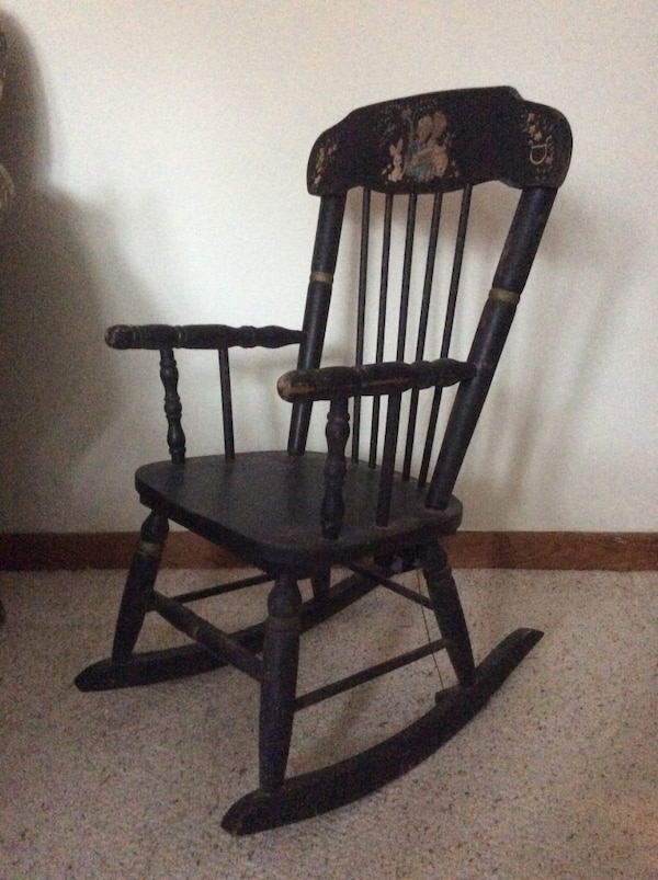 Fabulous Antique Ramsdell Childs Musical Rocking Chair Beatyapartments Chair Design Images Beatyapartmentscom