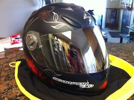 Black and red scorpion exo full-face helmet