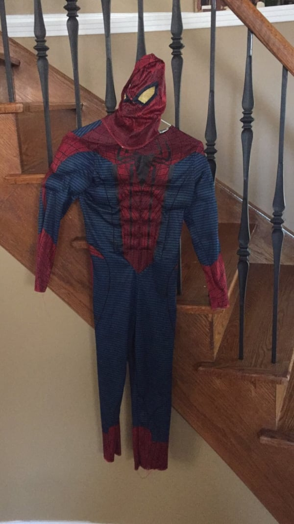 Spiderman Halloween costume with mask and gloves 00695885-5253-4ddf-882d-0dc833f5c156
