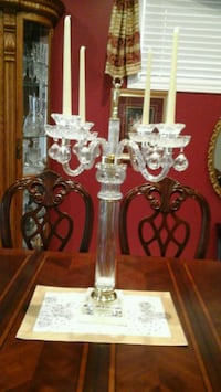 candelabra  beautiful  Cristal  4 candles candelabra  29 inches long   Vaughan, L4H 2C2