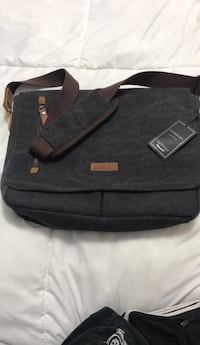 "Vonxury messenger bag. (15"" laptop) Brand new! Brampton, L7A 1Z2"