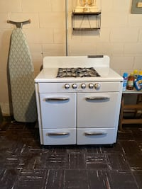 """1952 """"Real Host"""" gas stove in excellent condition."""