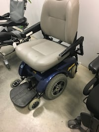 Jazzy 4.0 Sit and Rise Scooter