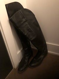 Very comfortable over the knee leather boots size 7