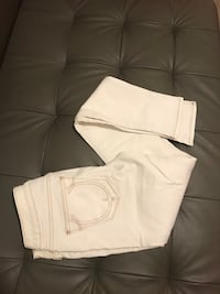 Stylish pair of Skinny jeans size 26 and 27 Toronto, M1T 3G9