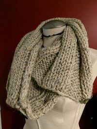 Wool knit scarf Vancouver, V5T