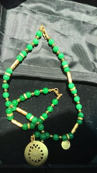 green and black beaded necklace Los Ángeles, 91405