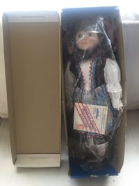 Musical porcelain doll with original box Seattle, 98168