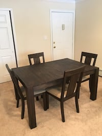 Raymore and Flanagan kitchen or dinning table East Setauket, 11733