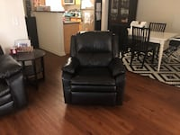 Free Black leather Chair/Couch Lorton, 22079