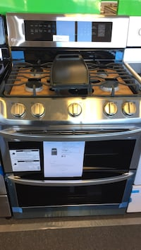 LG freestanding gas oven with double ovens and griddle please ask for Lilly