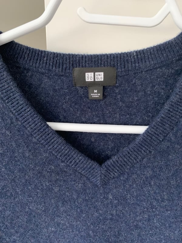 Uniqlo Cashmere Sweater 2e7d9f1a-c15a-439c-8360-199add93fa38