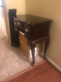 brown wooden single-pedestal desk Capitol Heights, 20743