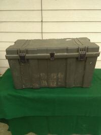 HEAVY DUTY GREEN PLASTIC STORAGE CONTAINER