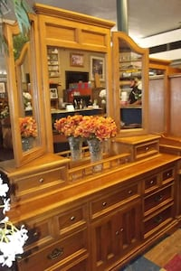 Oak dresser with mirror by Burlington furniture  Front Royal, 22630