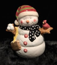 "Adorable ceramic snowman cookie jar in good condition! 11.5 x 10.5"" Caledonia, 49316"