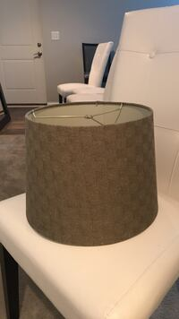 Brown table lamp shade Chicago, 60609