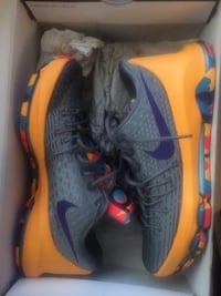 Kevin durant 8 size 9 men Mississauga, L5A