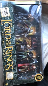 Lord of the Rings Helms deep battle set Coon Rapids, 55433