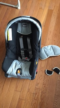baby's black and gray car seat carrier Ottawa, K0A 1T0