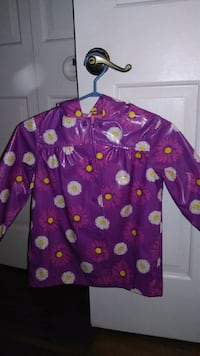 Girl's raincoat size 4. Laval, H7T