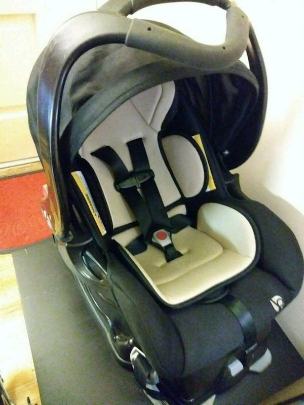 Baby Trend Car Seat Carrier And Base Like New