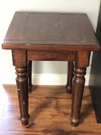 Solid wood side table Costa Mesa, 92626