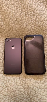 Black iphone 7 (unlocked) and case. ZAGG glass+ screen protector. Summerville, 29485