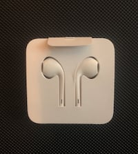 Apple Earpods (Lightning Cable) 27 mi