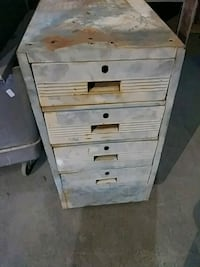 4 draw on wheelsshop cabinet Farmington
