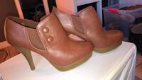 Size 8 brown leather ankle heeled bootie  782 mi