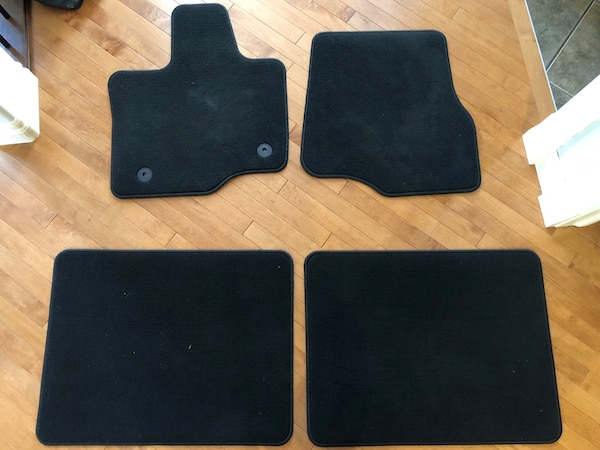 2019 Ford F-150 Supercab floor mats carpeted brand new!