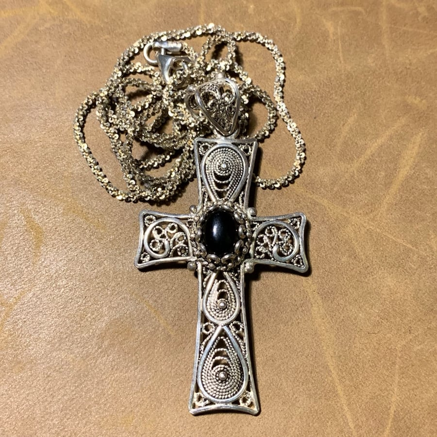 Antique Sterling Silver Black Onyx Cross with Sterling Chain 056b7876-55ef-41fc-a8f8-fbf3902709ba