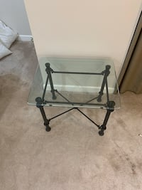Glass side table with black irons base Alexandria, 22306