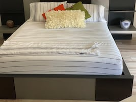Modern Queen Bed/Real & Heavy wood