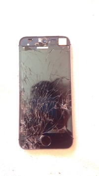 Cracked IPhone 5s Langford, V9B 6Y1