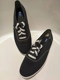 Brand new KEDS running shoes size 9 3723 km