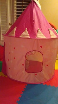 pink and white heart print indoor play tent Norcross, 30092