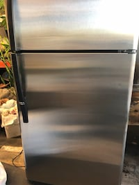 Stainless steel refrigerator 31in-w,67in-h Los Angeles, 90064