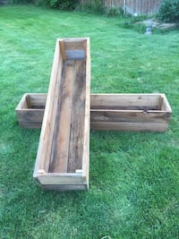 Rustic red cedar planting boxes.  Eugene, 97404