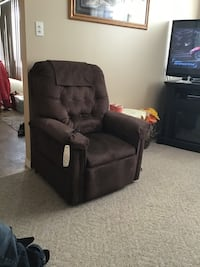 black leather recliner sofa chair Edmonton, T5L 3P9