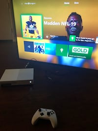 Xbox one s console with controller Aliso Viejo, 92656