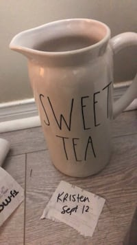 Rae Dunn sweet tea pitcher  Mississauga, L5M 7J6